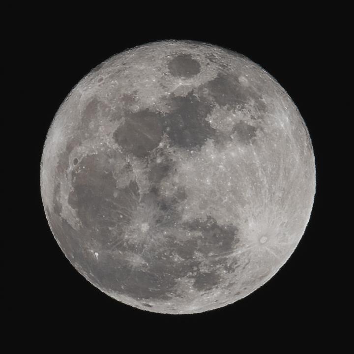 moon_160124_01.jpg