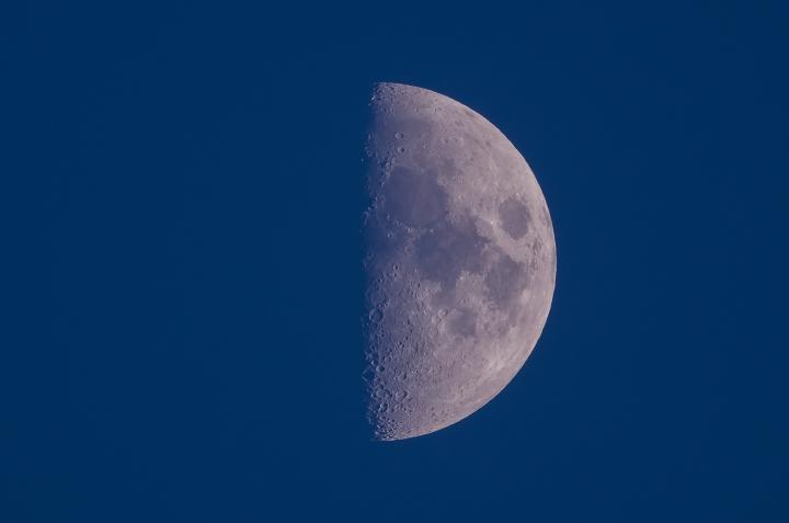 moon_150426_01.jpg