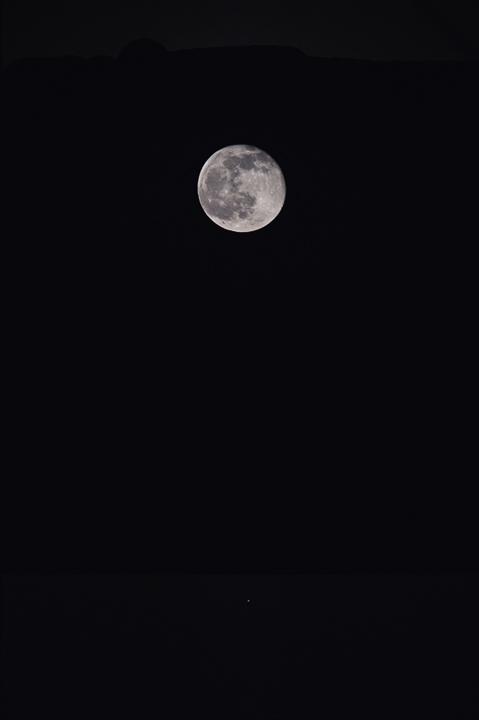 moon_150505.jpg